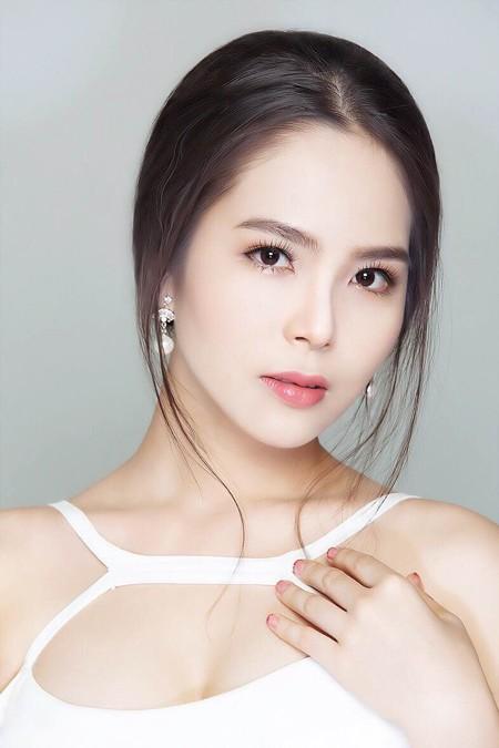 Cận cảnh vẻ đẹp mong manh của Á hoàng sắc đẹp Dương Kim Ánh ảnh 7