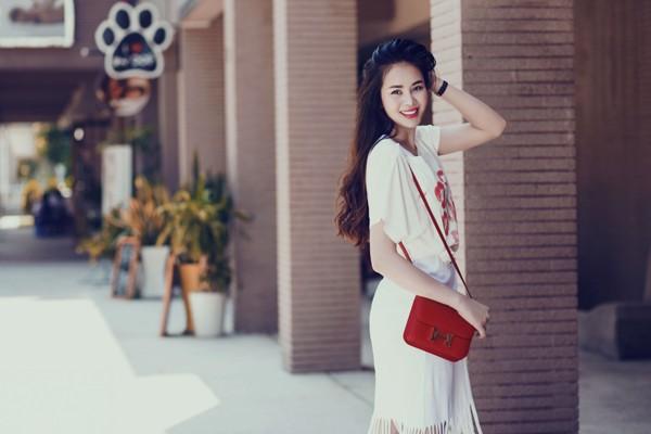 Diễn viên Sella Trương diện street style ấn tượng xuống phố ảnh 3