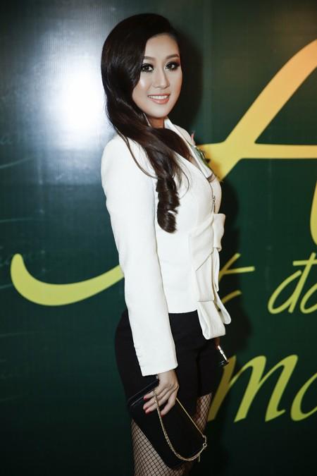 Bầu Hoà lịch lãm cùng MC Kim Trang dự sinh nhật Quách Tuấn Du ảnh 2