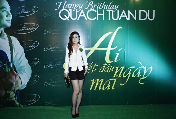 Bầu Hoà lịch lãm cùng MC Kim Trang dự sinh nhật Quách Tuấn Du ảnh 5