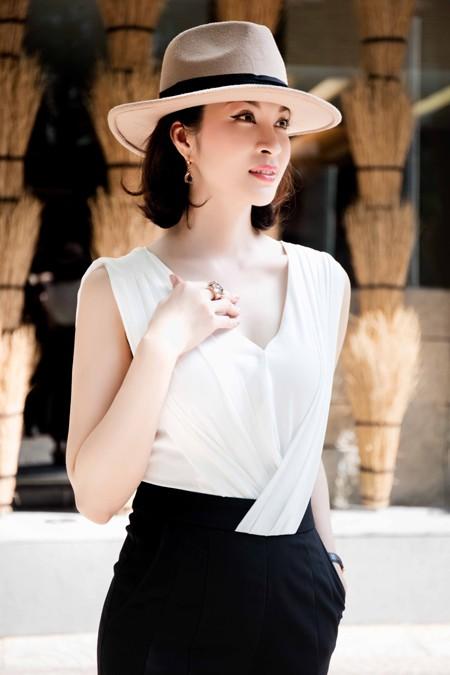 Cận cảnh vẻ đẹp trẻ trung hiếm thấy của MC Thanh Mai ảnh 3