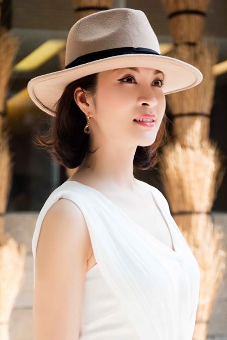 Cận cảnh vẻ đẹp trẻ trung hiếm thấy của MC Thanh Mai ảnh 4