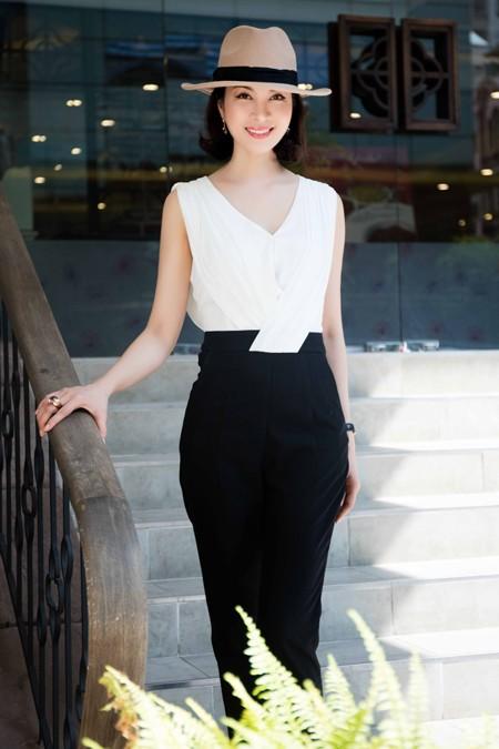 Cận cảnh vẻ đẹp trẻ trung hiếm thấy của MC Thanh Mai ảnh 1