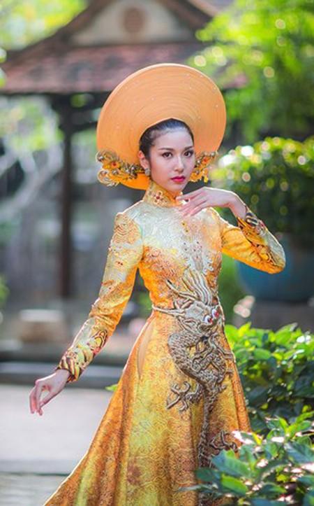 Ngắm trang phục dân tộc của Thúy Vân tại cuộc thi Hoa hậu Quốc tế 2015 ảnh 8