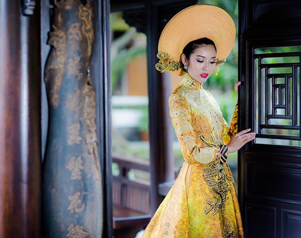 Ngắm trang phục dân tộc của Thúy Vân tại cuộc thi Hoa hậu Quốc tế 2015 ảnh 5