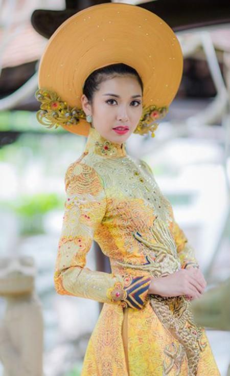 Ngắm trang phục dân tộc của Thúy Vân tại cuộc thi Hoa hậu Quốc tế 2015 ảnh 7