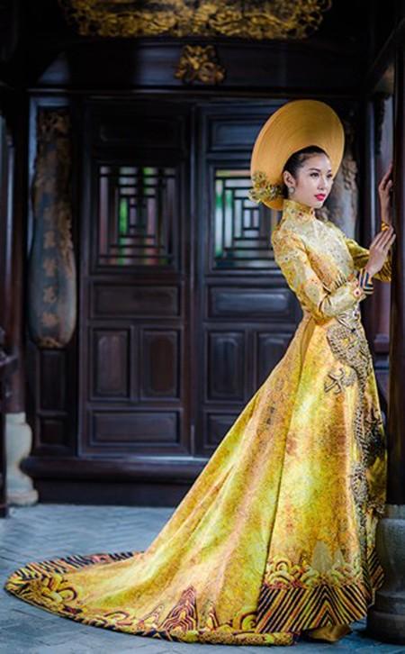 Ngắm trang phục dân tộc của Thúy Vân tại cuộc thi Hoa hậu Quốc tế 2015 ảnh 3