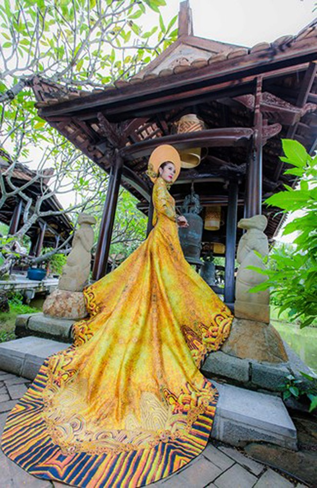 Ngắm trang phục dân tộc của Thúy Vân tại cuộc thi Hoa hậu Quốc tế 2015 ảnh 2
