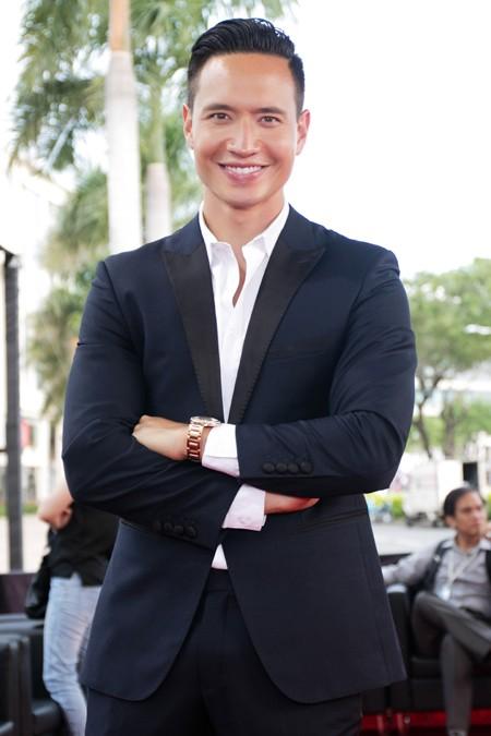 Hoa hậu Mai Phương Thuý sánh vai Kim Lý dự dạ tiệc trên không ảnh 6