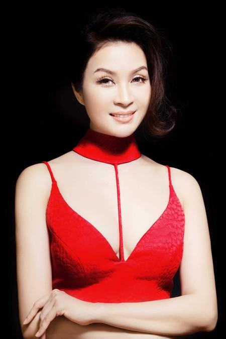 MC Thanh Mai đẹp cuốn hút vạn người mê ảnh 5
