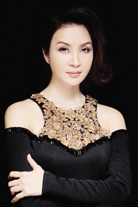 MC Thanh Mai đẹp cuốn hút vạn người mê ảnh 1