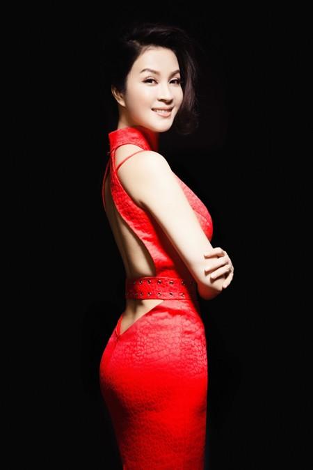 MC Thanh Mai đẹp cuốn hút vạn người mê ảnh 4
