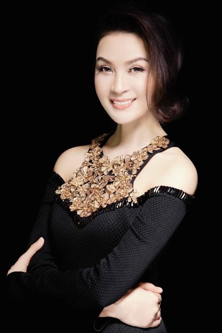 MC Thanh Mai đẹp cuốn hút vạn người mê ảnh 2