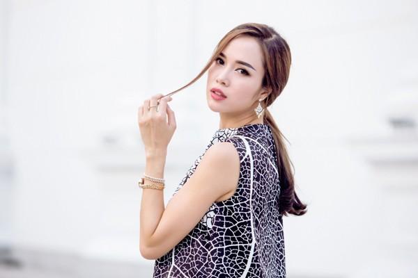 """Bị Xuân Lê """"quây kín"""", Vũ Ngọc Anh vẫn đẹp nổi bật ảnh 4"""