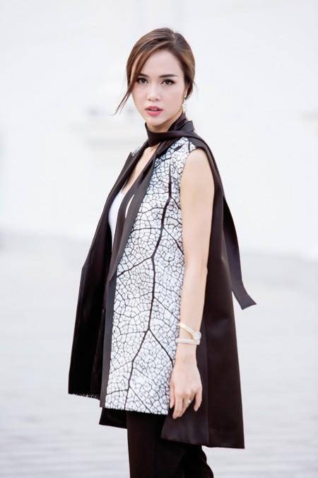 """Bị Xuân Lê """"quây kín"""", Vũ Ngọc Anh vẫn đẹp nổi bật ảnh 5"""