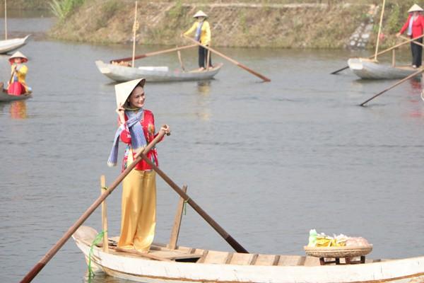 Tái hiện không gian văn hóa chợ nổi Nam bộ tại Hà Nội ảnh 1