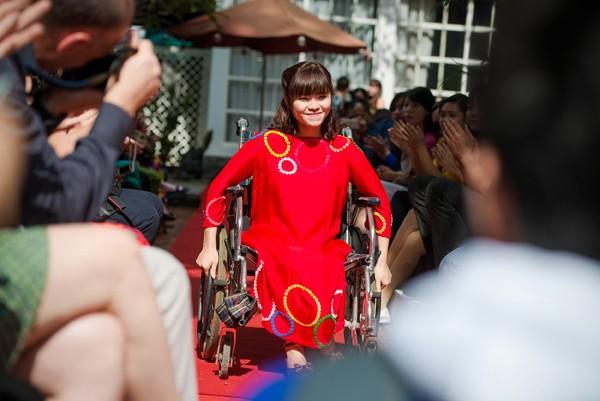Ấn tượng với màn trình diễn thời trang dành cho người khuyết tật ảnh 5
