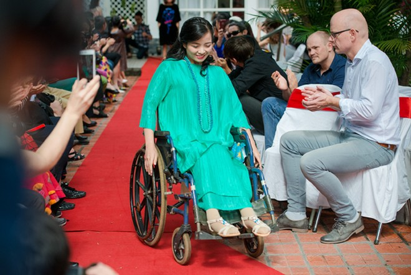 Ấn tượng với màn trình diễn thời trang dành cho người khuyết tật ảnh 10