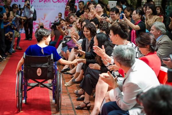 Ấn tượng với màn trình diễn thời trang dành cho người khuyết tật ảnh 11