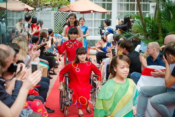 Ấn tượng với màn trình diễn thời trang dành cho người khuyết tật ảnh 12