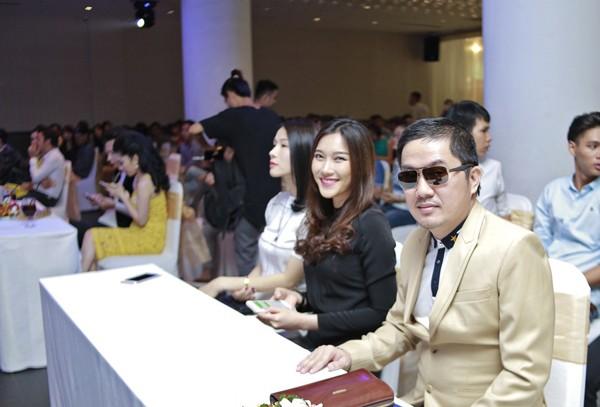 Bầu Hoà lịch lãm dự tiệc mừng tân Á hậu quốc tế Lâm Thuỳ Anh ảnh 2