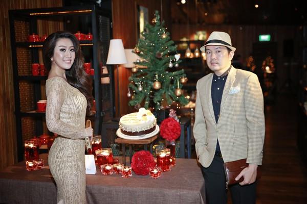 MC Kim Trang khoe đường cong quyến rũ với thiết kế của Nhật Phượng ảnh 8