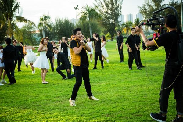 Trọng Hiếu tỏ tình bằng màn trình diễn Flashmob ảnh 6