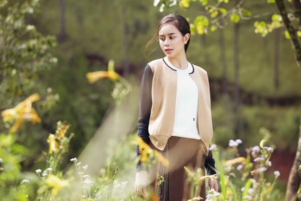 Mê mẩn với những shoot hình lãng mạn của diễn viên Sella Trương ảnh 7