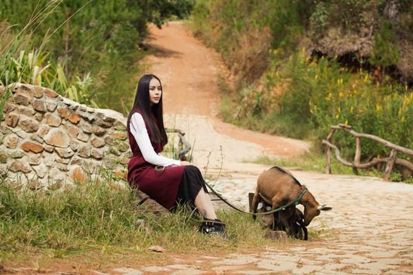 Mê mẩn với những shoot hình lãng mạn của diễn viên Sella Trương ảnh 2