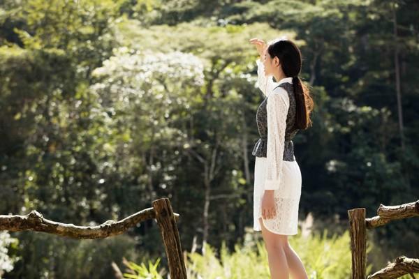Mê mẩn với những shoot hình lãng mạn của diễn viên Sella Trương ảnh 9