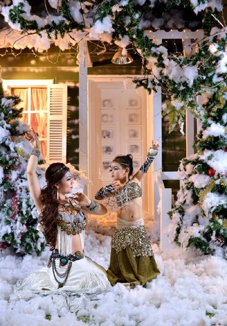 """Đỗ Hồng Hạnh """"hâm nóng"""" không khí Noel bằng loạt ảnh nóng bỏng ảnh 5"""