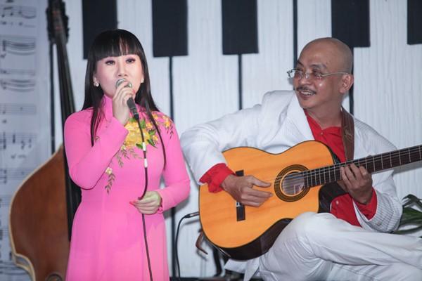 Á hậu Tố Uyên cùng dàn nghệ sĩ tham gia đấu giá ủng hộ MC Lê Tâm ảnh 8