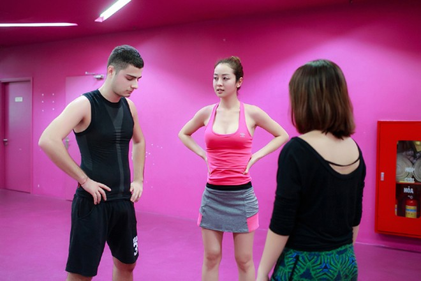 """Jennifer Phạm """"nước rút"""" tập luyện cho """"Bước nhảy hoàn vũ"""" ảnh 1"""
