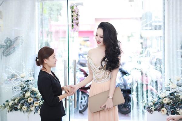 """Hoa hậu Huỳnh Thuý Anh """"nuôi dưỡng"""" nhan sắc nhờ Bella ảnh 2"""