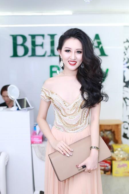 """Hoa hậu Huỳnh Thuý Anh """"nuôi dưỡng"""" nhan sắc nhờ Bella ảnh 6"""