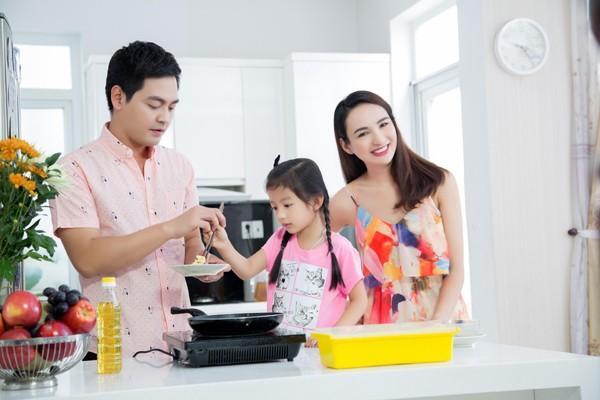 Con gái Hoa hậu Ngọc Diễm trổ tài bếp núc ảnh 3