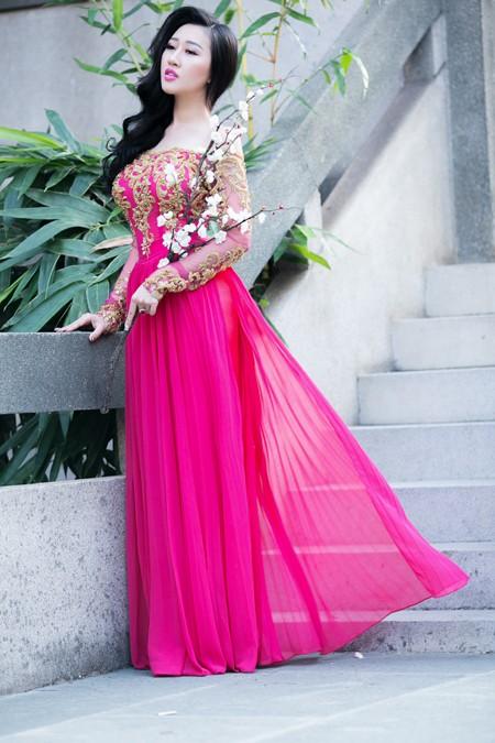 Hoa hậu Huỳnh Thuý Anh nền nã áo dài đón xuân ảnh 4