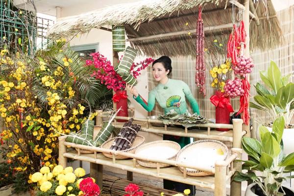 Hoa hậu Giáng My tổ chức chợ hoa Tết tại… nhà riêng ảnh 7