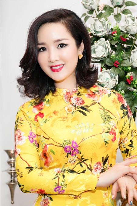 Hoa hậu Giáng My tổ chức chợ hoa Tết tại… nhà riêng ảnh 10