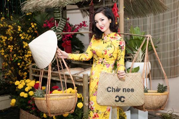 Hoa hậu Giáng My tổ chức chợ hoa Tết tại… nhà riêng ảnh 8