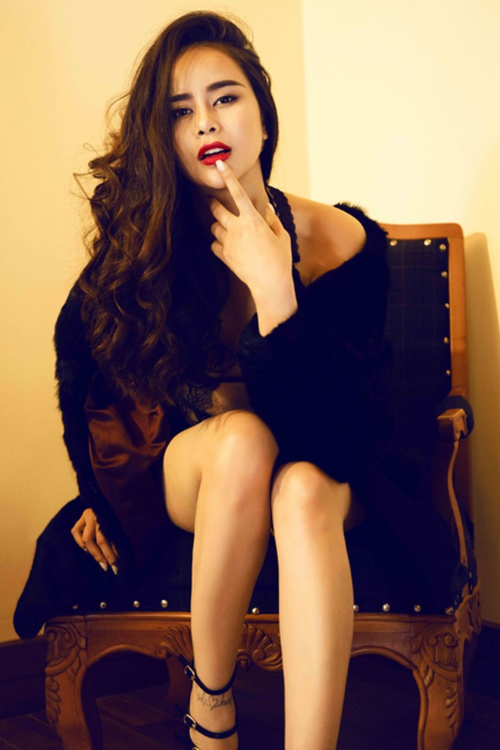 """Người mẫu Sella Trương """"đốt mắt"""" bằng nội y bodysuit cực nóng bỏng ảnh 5"""