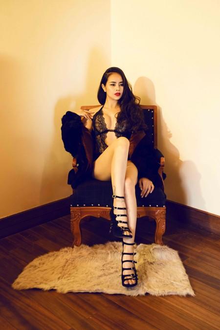 """Người mẫu Sella Trương """"đốt mắt"""" bằng nội y bodysuit cực nóng bỏng ảnh 4"""