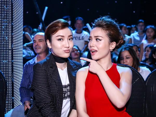 """Yến Trang, Yến Nhi đối lập phong cách tại """"Bước nhảy hoàn vũ"""""""