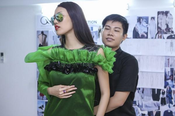 """Lan Khuê """"đội nắng"""" đi thử trang phục tham dự Vietnam International Fashion Week 2016 ảnh 4"""