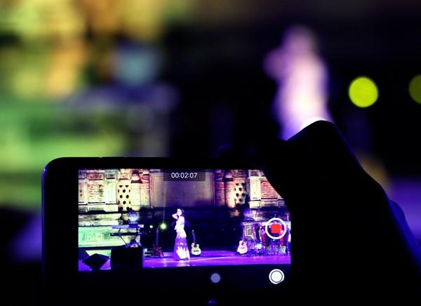 Festival Huế: Màn múa bụng nóng bỏng giữa không gian trầm mặc ảnh 10