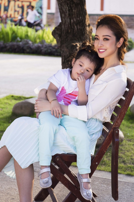 Hậu trường đáng yêu của mẹ con Jennifer Phạm ảnh 6