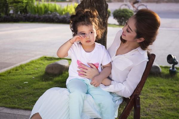 Hậu trường đáng yêu của mẹ con Jennifer Phạm ảnh 7