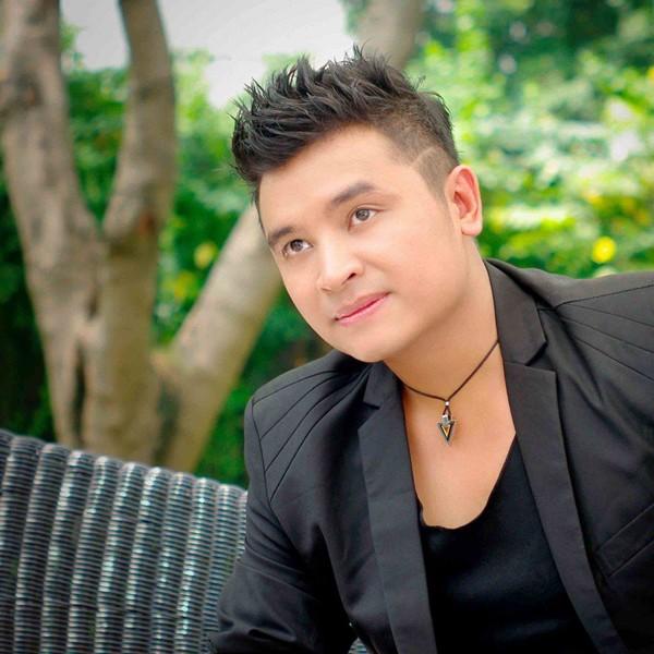 Bên cạnh đó, chàng ca sĩ điển trai này cũng đã phát hành online 4 mini album: Tin anh đi, Chỉ cần vậy thôi, Khi yêu trái tim yếu mềm, Là anh đã sai (độc quyền Keeng.vn), được khán giả đón nhận và cổ vũ.