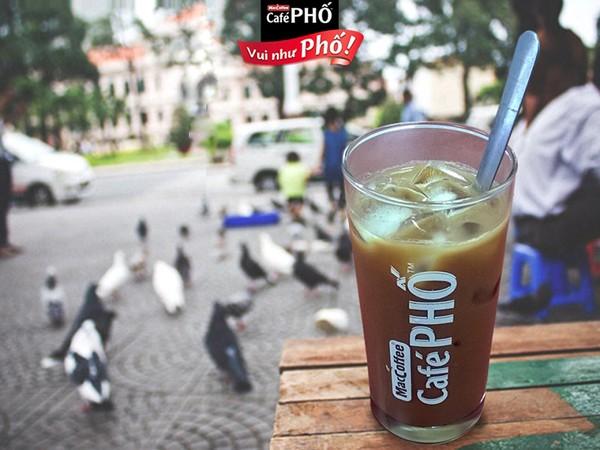 """Cà phê phố Sài thành rất """"đời"""" mà cứ hễ đi xa là sẽ nhớ."""