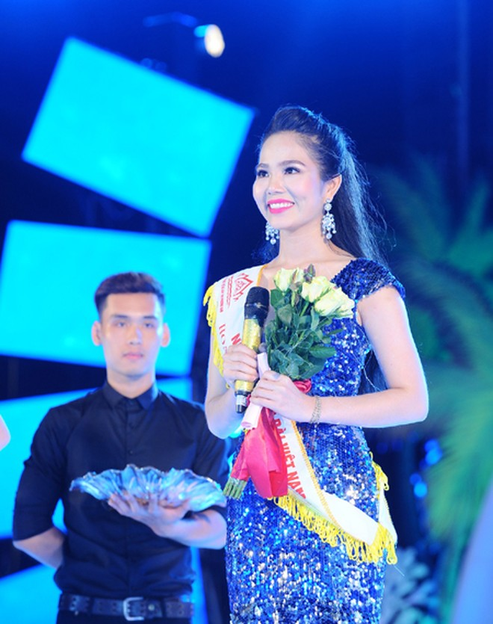 Nhan sắc rạng ngời của Người đẹp Áo dài Hoa hậu Biển Việt Nam 2016 ảnh 10